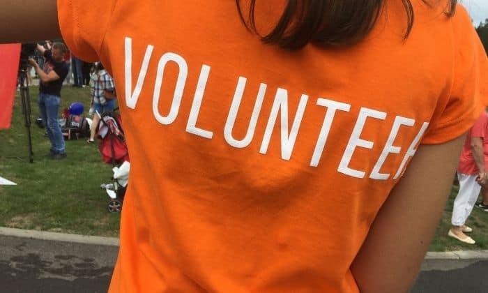 volunteer in sobriety