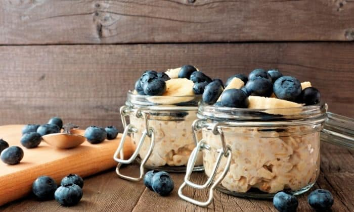 picture of overnight oats as a small habit for breakfast