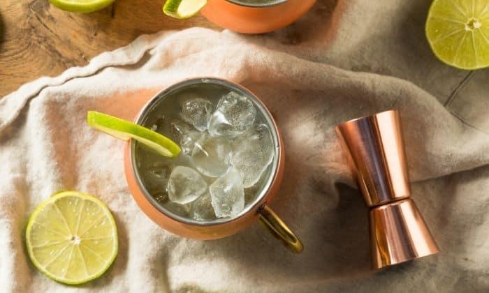 ginger beer mocktail and limes