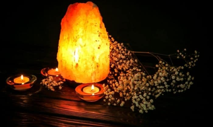 himalayan salt lamp at night