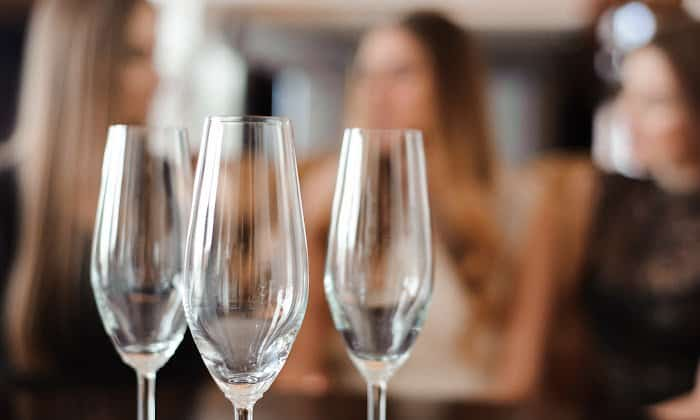 What is Gray Area Drinking? How to Recognize the Signs.